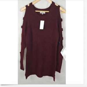 Crave Fame by Almost Famous burgundy ladder sleeve